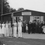1956: Einweihung der Sportplatzanlage und des Totengedenksteines