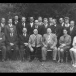1959: Vorstand und Turnrat - stehend v.l. Gerhard Herz, Eugen Baier, Herbert Leuthner, Fritz Birgin, Wolfgang Fischer, Kurt Kornmüller, Willi Hauser, Helmut Constantin, Ebbi Reick, Egbert Dolde, Paul Wurster, Gustav Speck, Volker Roos, Alfred Koblenz, Uwe Schöchle, Gernot Wehr, Kurt Reick sen. - sitzend v.l. Hubert Auer, Fritz Gröner, Willi Bott, Franz Göckel, Emil Fischer, Hermann Kritzer, Gudrun Vogt, Gertrud Auer