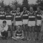 1960: Leichtathletik-Mannschaft - stehend v.l. NN, NN, Hans-Jürgern Heckenhauer, Peter Fischer, Joachim Wurster, Horts Baier, Arthur Sauter, Paul Wurster, Peter Funk, Peter Zimmer - knieend v.l. Giselher Kolb, Peter Reiser